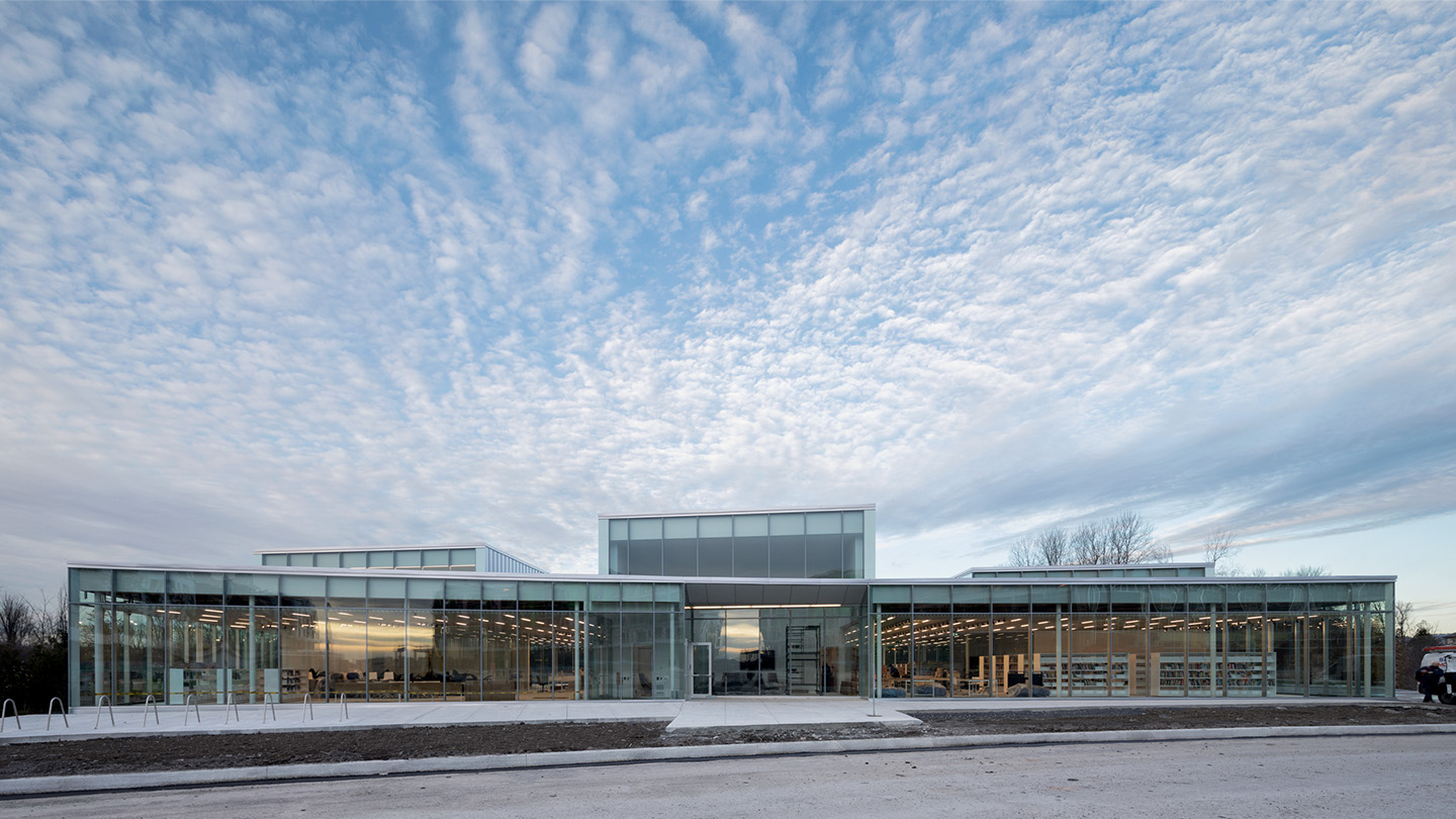 The Gatineau Library opens its doors